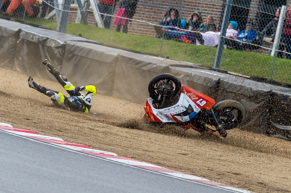 BSB Brands Hatch October 2015 - Superstock 1000 - Matt Pearce (Kawasaki 1000) crashes at Clearways-4.jpg