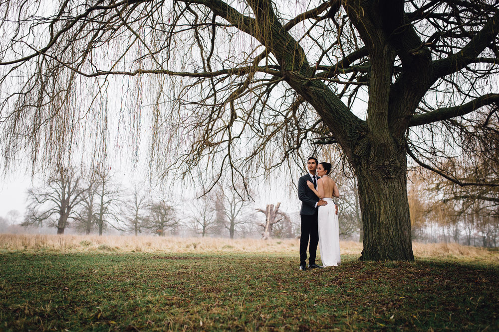 Woking Wedding Photographer at Hampton Court Golf Club_Copyright Susie Fisher Photography