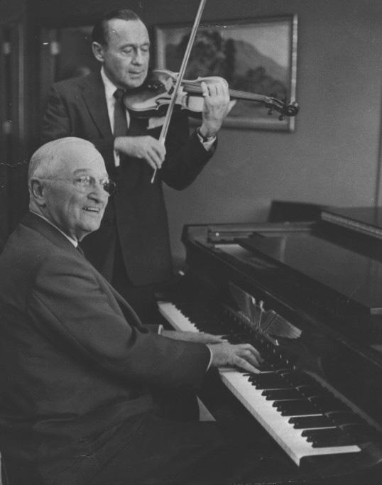 Jack Benny on violin