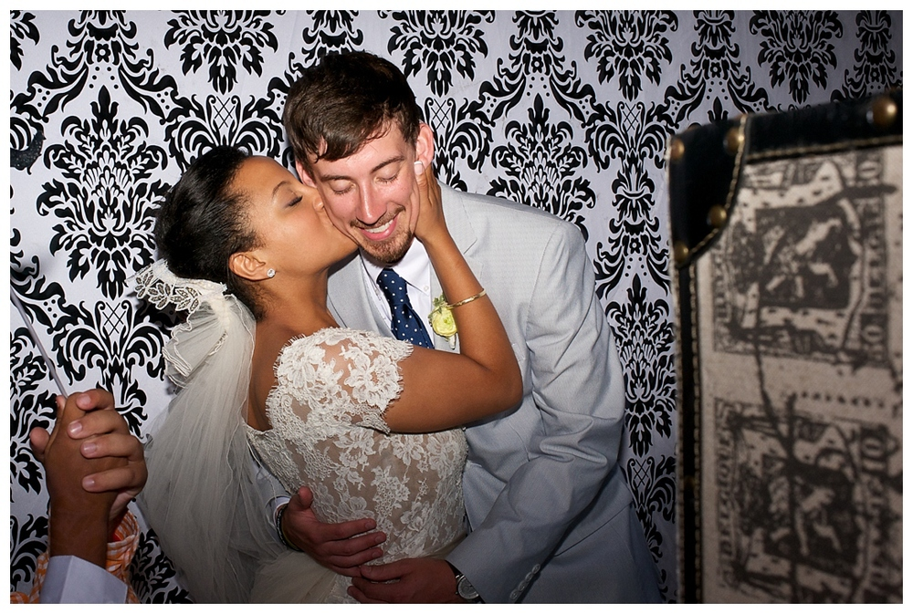 BloomandLo_AtlantaPhotographer_AmeliaTatnall_WeddingPhotography_Charleston_DestinationWeddings_SouthernWeddings_Paul&Whitney_LoeserWedding__0100.jpg