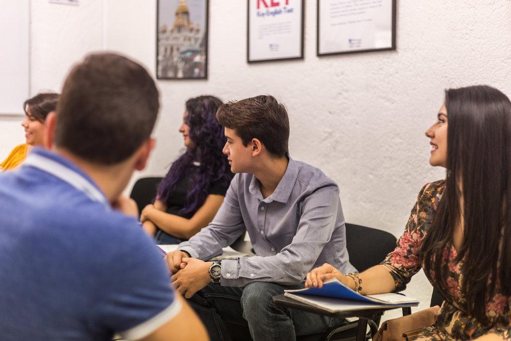 Programa de Inglés especializado - Los cursos de inglés para propósitos específicos son cursos especializados exclusivos de The Institute diseñados para lograr distintos objetivos como mejorar tu habilidad de conversar, certificarte como maestro de inglés o dominar términos especializados de ingeniería. Los cuatro cursos corresponden al nivel B1 o B2 dentro del Marco Común Europeo de la Lengua.