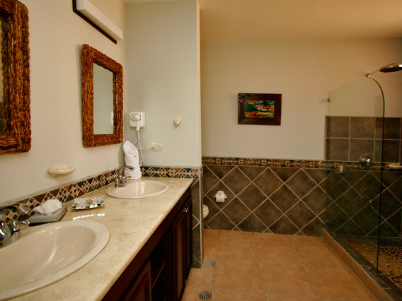 Daystar Bahia Encantada Master Bathroom.jpg