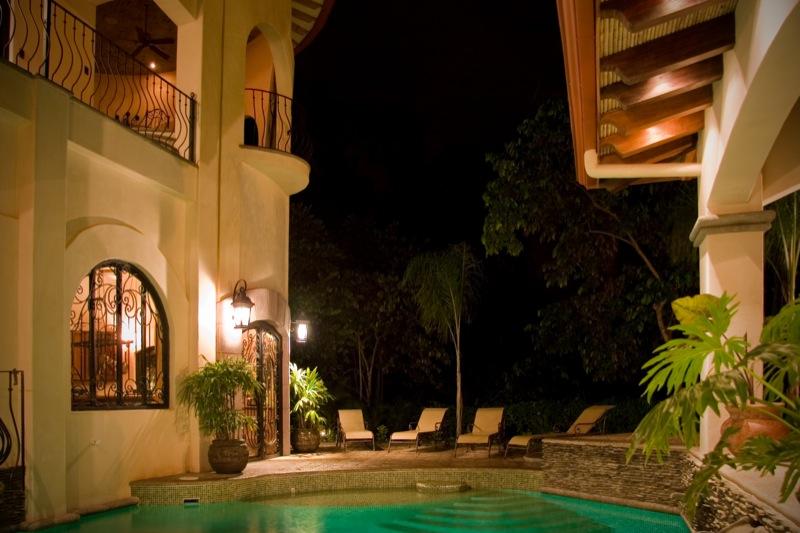 15-costa-rica-mansion.JPG