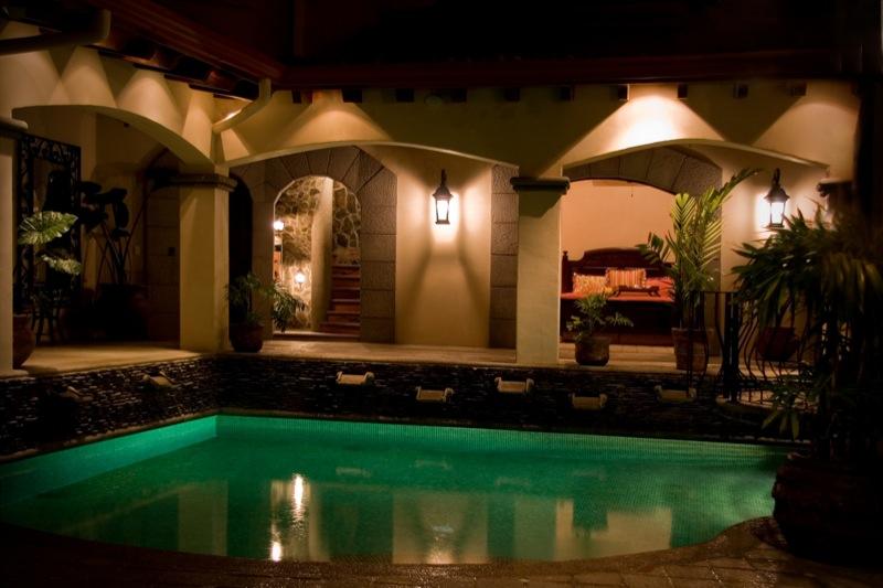 17-costa-rica-mansion.JPG