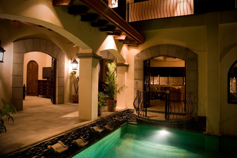 16-costa-rica-mansion.JPG