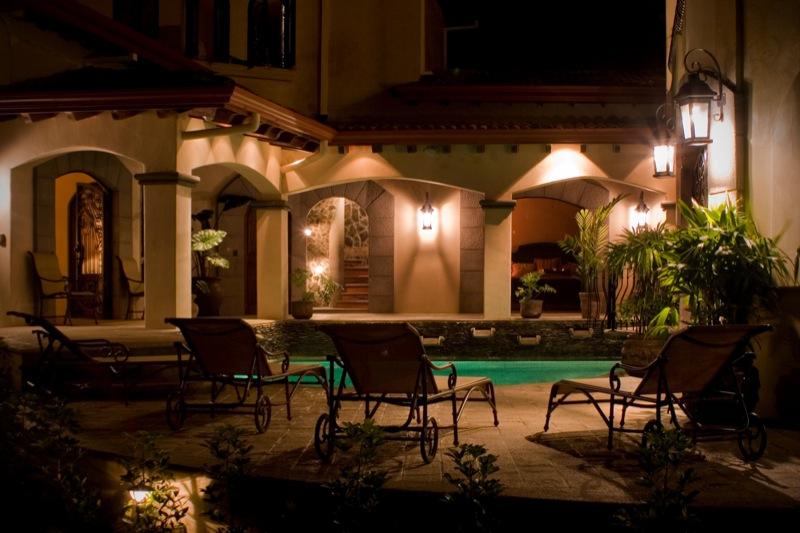 19-costa-rica-mansion.JPG