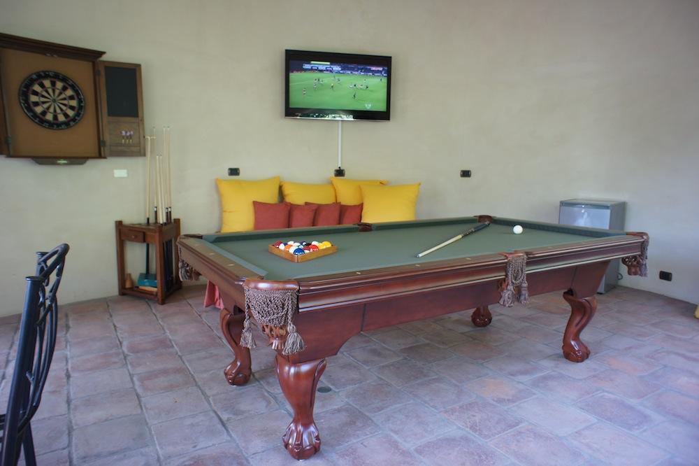 games-room-costa-rica-villa.jpg