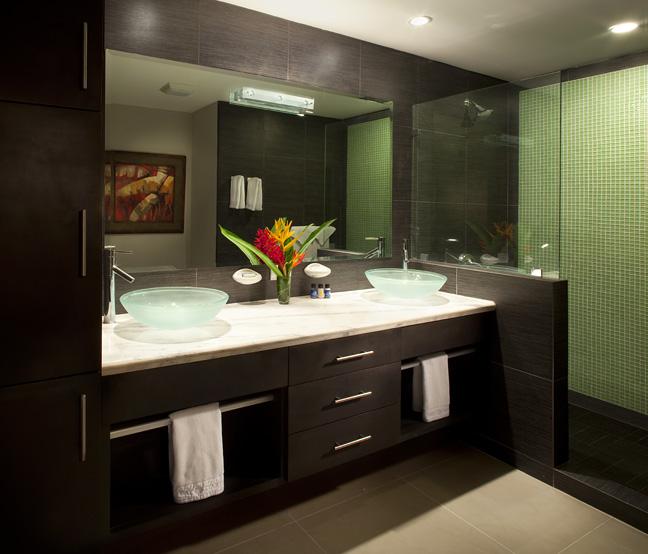 Daystar Diamante del Sol Bathroom 2.jpg
