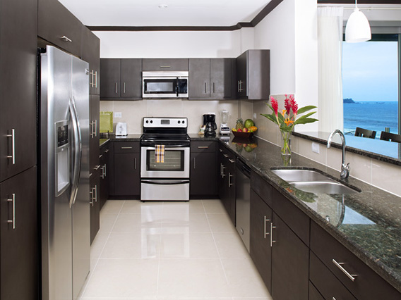 Daystar Diamante del Sol Kitchen 2.jpg