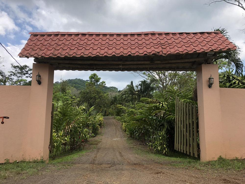 entrance big house.jpg