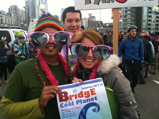 I'm with Lorien Henson & Scott Andrews, key organizers of B2CP - acting goofy on the bridge!