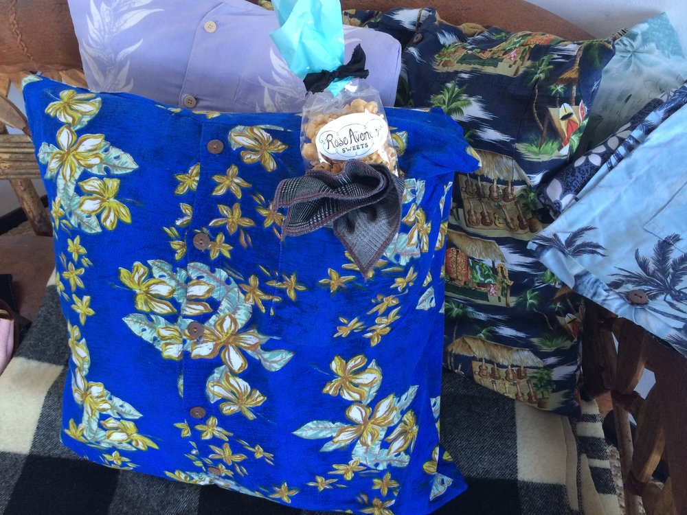 hawaiian-shirt-pillows-gift-guide