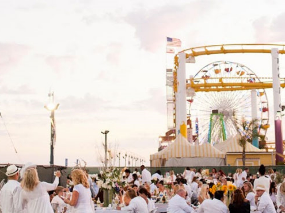 The annual PopUp Dinner LA gathered for its impromptu picnic at the Santa Monica Pier in 2013. ( Photo by Hand Made Events )
