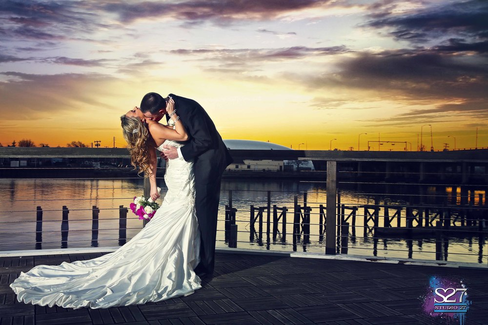 Bridgeview Yacht Club Wedding Photo.jpg