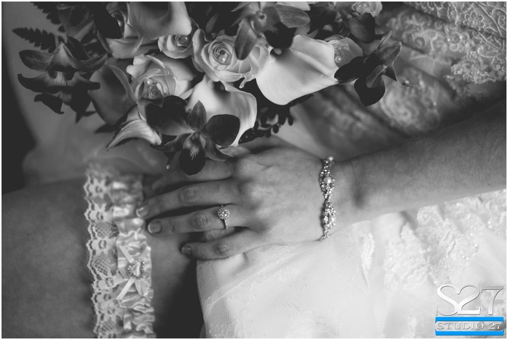 Fox-Hollow-Wedding-Woodbury-NY-Photographers-Studio-27-WEB_0104.jpg
