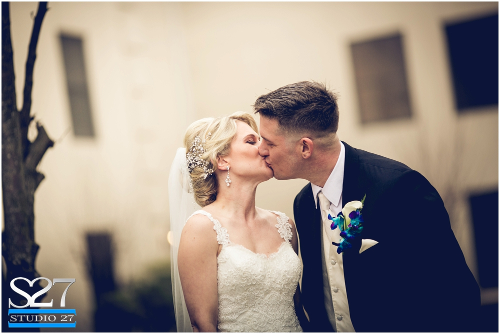 Fox-Hollow-Wedding-Woodbury-NY-Photographers-Studio-27-WEB_0121.jpg