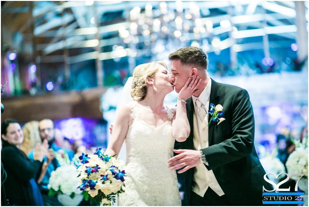 Fox-Hollow-Wedding-Woodbury-NY-Photographers-Studio-27-WEB_0130.jpg