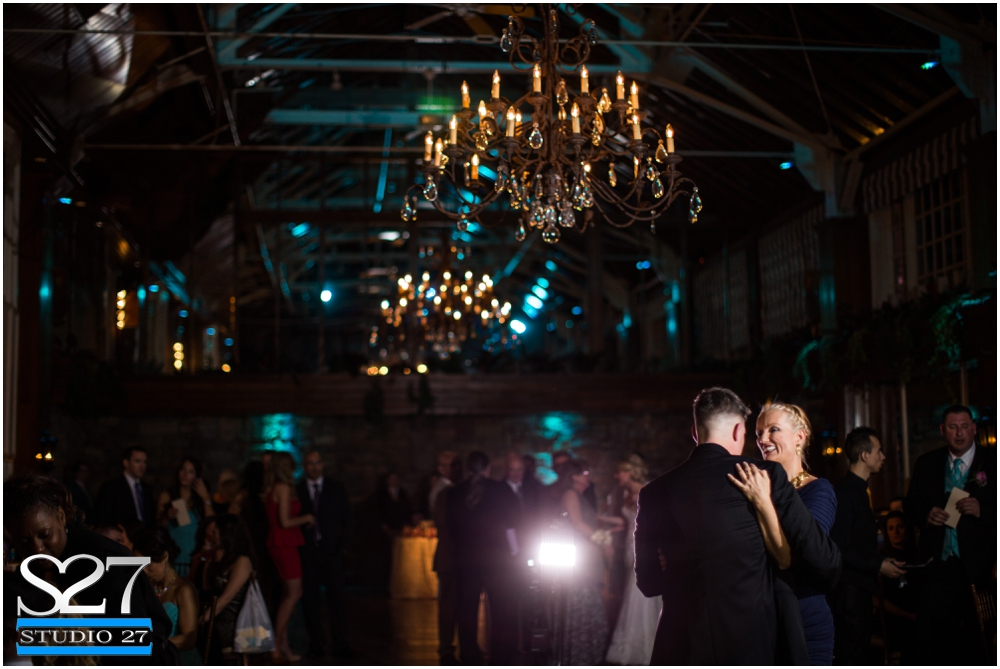 Fox-Hollow-Wedding-Woodbury-NY-Photographers-Studio-27-WEB_0135.jpg