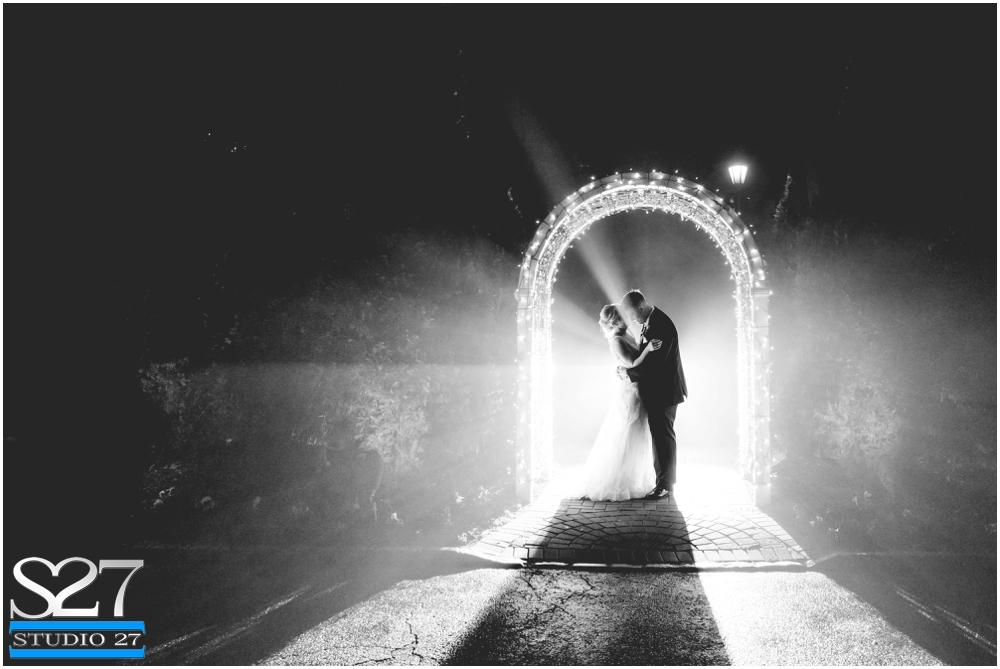 Fox-Hollow-Wedding-Woodbury-NY-Photographers-Studio-27-WEB_0140.jpg