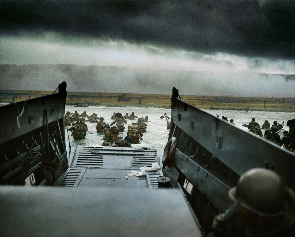 DYNWEB_Into_the_Jaws_of_Death_1944_FC_1920.jpg