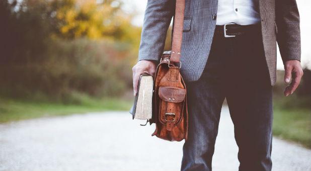 bible-traveling-preacher-1.jpg
