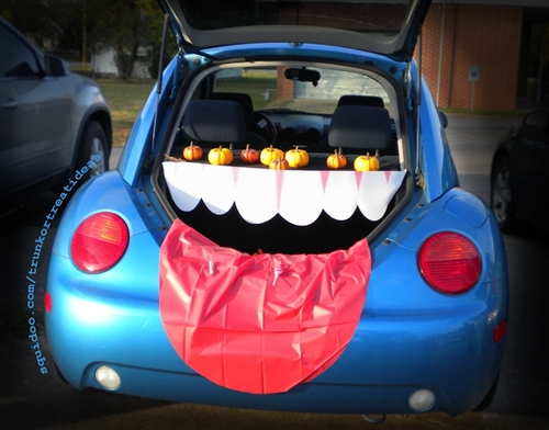 draft_lens18446017module152933166photo_1315006805trick_or_trunk_or_treat_hjpeg - Halloween Decorated Cars