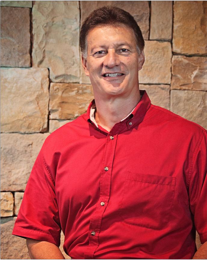Dennis Diaz  ( Senior Pastor)