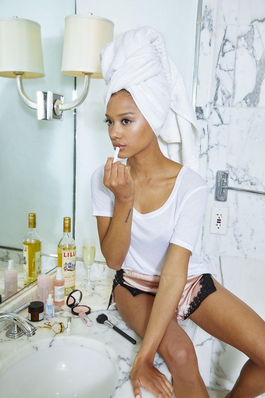 Jonetta Kaiser: Model
