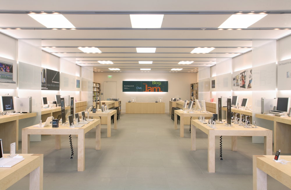 Apple store lo res004.JPG