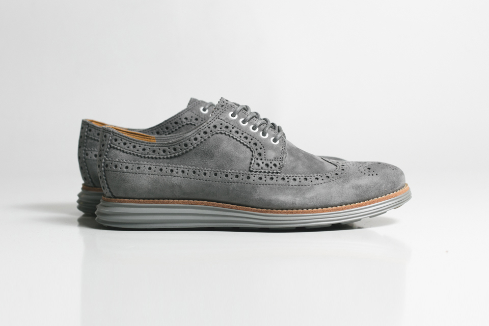 cole-haan-lunargrand-long-wingtip-grey-steade-suede-01.jpg
