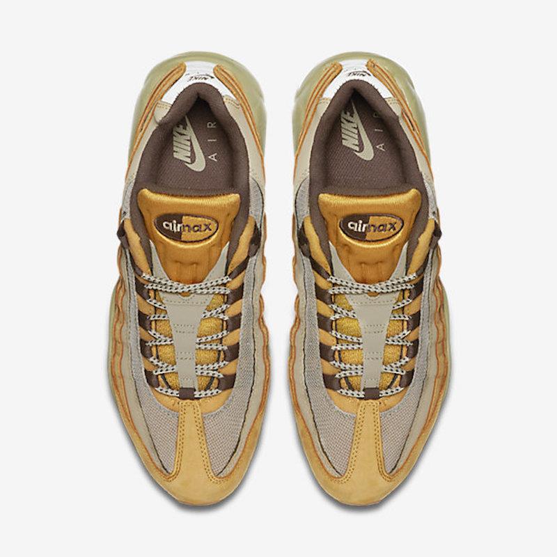 Nike-Air-Max-95-Premium-Mens-Running-Shoe-538416_700_D_PREM