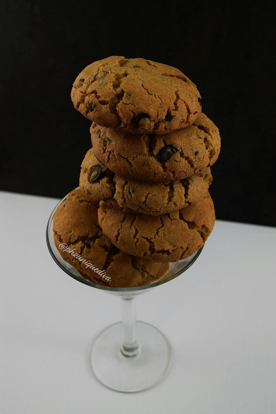 caramelchocolatechipcookies-phzuniquedivatop.jpg