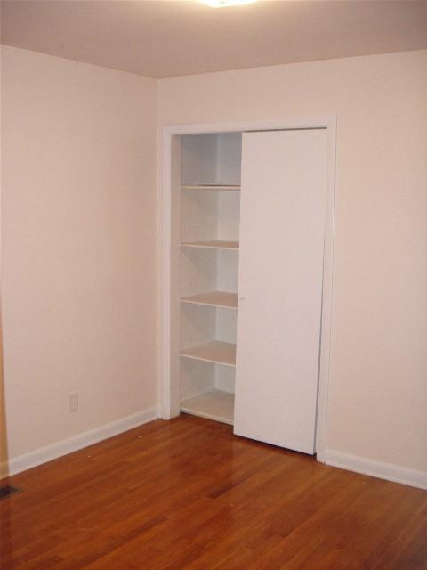closet R.jpg