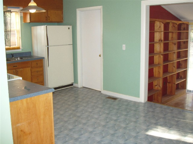 kitchen to family room R.jpg