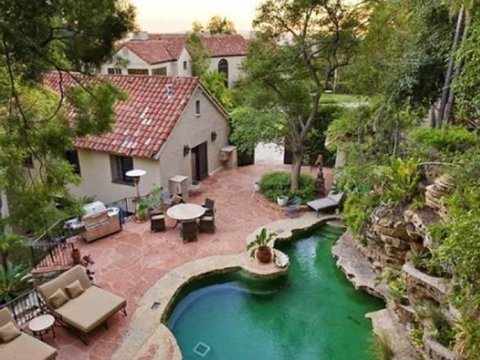 katy-perry-russell-brand-house-for-sale-02-480w.jpg