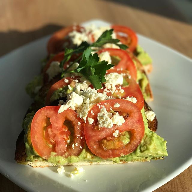 Savoury Turkish Toast served with fresh avocado, lemon and cracked pepper. Perfect spring breakfast. #avocado #tomato #fetta #breakfast #lightbreakfast #spring