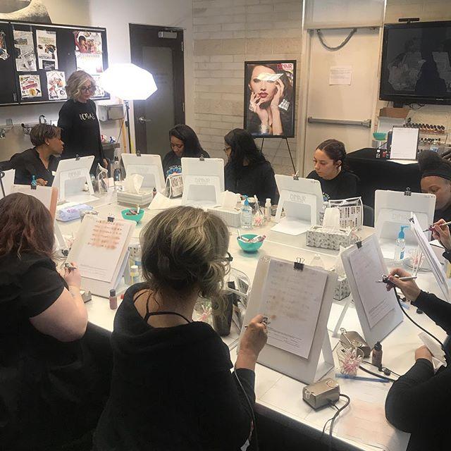 Advanced Esthetics learning airbrush makeup with @dinairofficial #airbrushmakeup #airbrush #airbrushart #dinair #brownavedamentor #brownavedastrongsville #aveda #avedastudents #aveda #avedainstitute