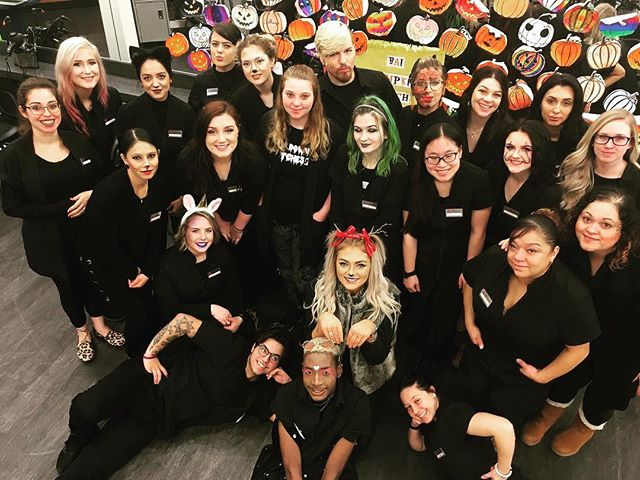 BrownAveda Strongsville Intro class bring Spooky. Happy Halloween from all of us 👀 - - - - #aveda#avedastylist #avedaartist #brownavedastudent #brownavedamentor #avedastudent #avedagraduate #brownavedagraduate #halloween #halloweenfun #halloween2018