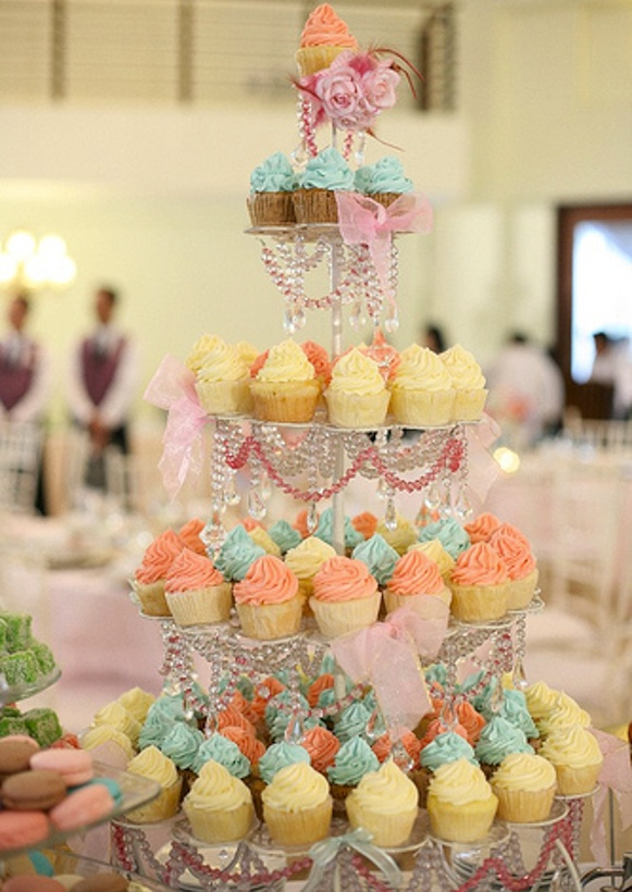 Cupcakes and Cupcake Stands | Engaged & Inspired Wedding Planning