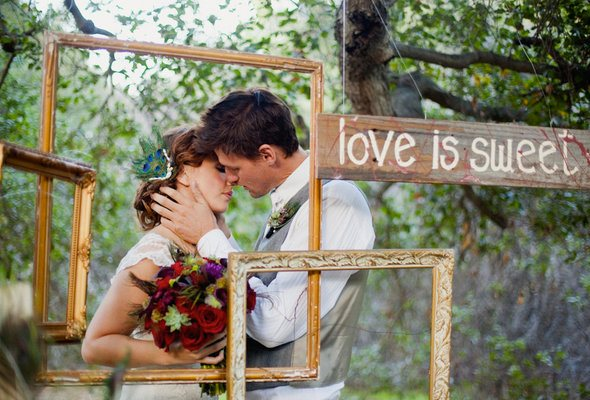 Frames Used In Weddings | Engaged & Inspired Wedding Planning