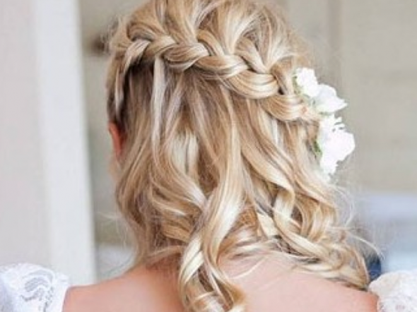 wedding hair braid and flower