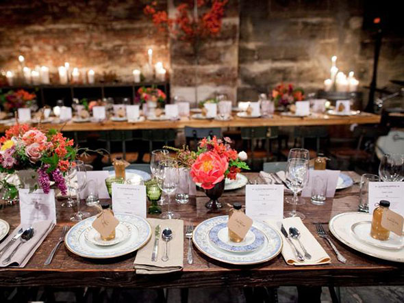 CI-kat-flower_rustic-wedding-table-settings_s4x3_lg