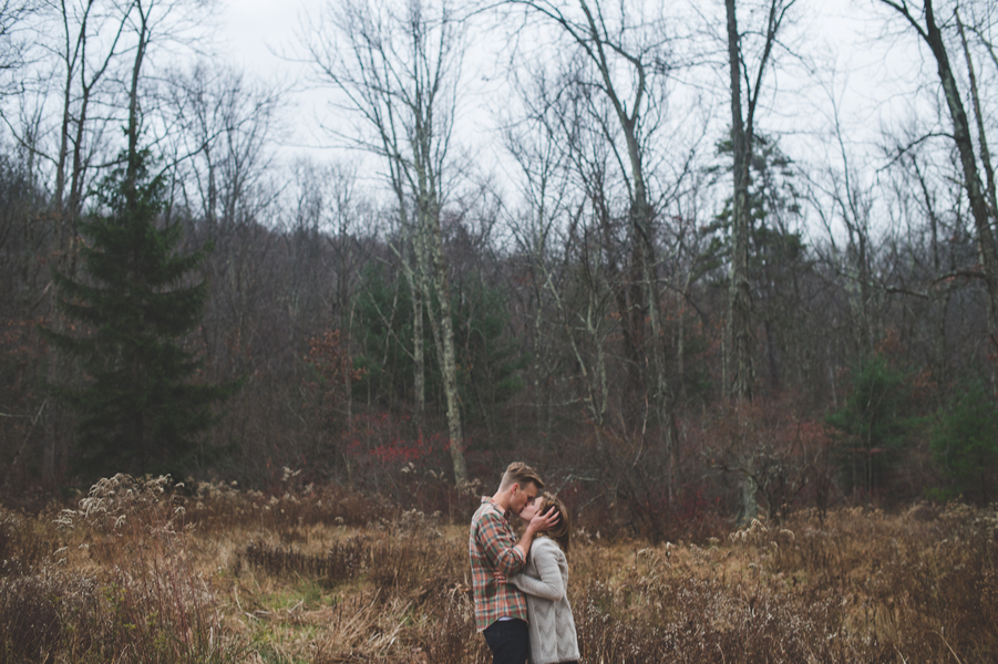 Parascand_Souders_JESSICA_OH_PHOTOGRAPHY_joshandkaitlinengaged122_low.jpg