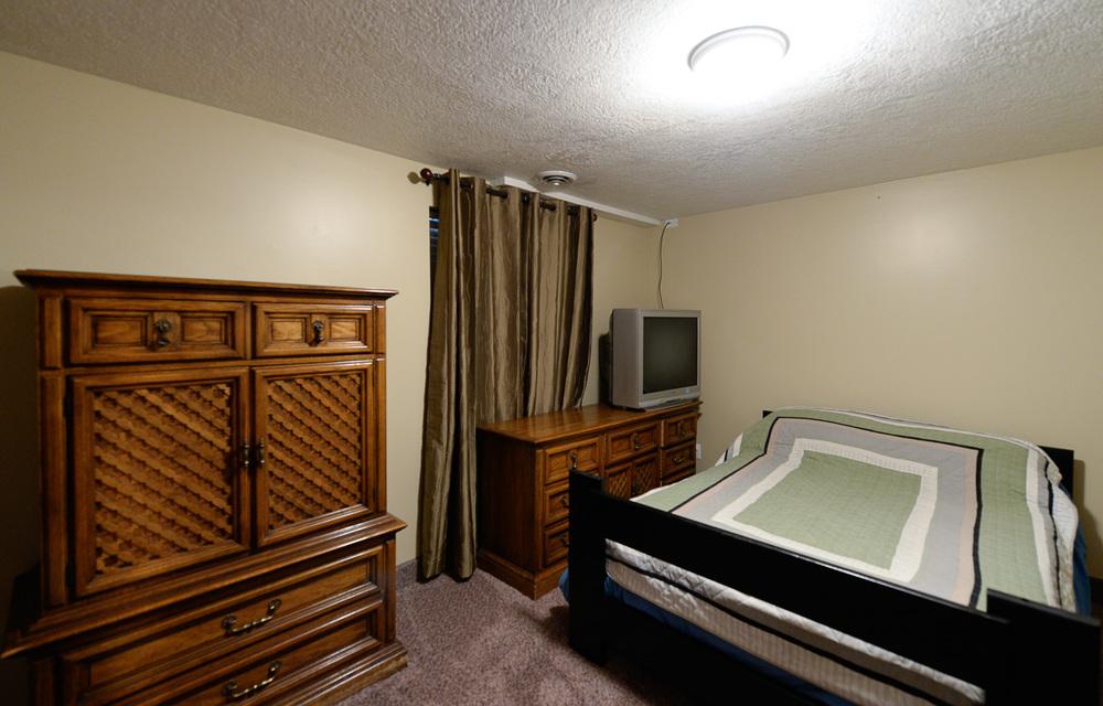 Basment bedroom.jpg