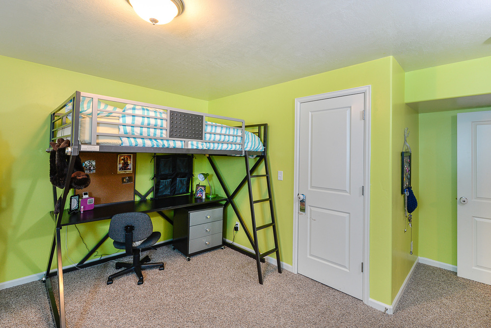 Basement bed1.jpg
