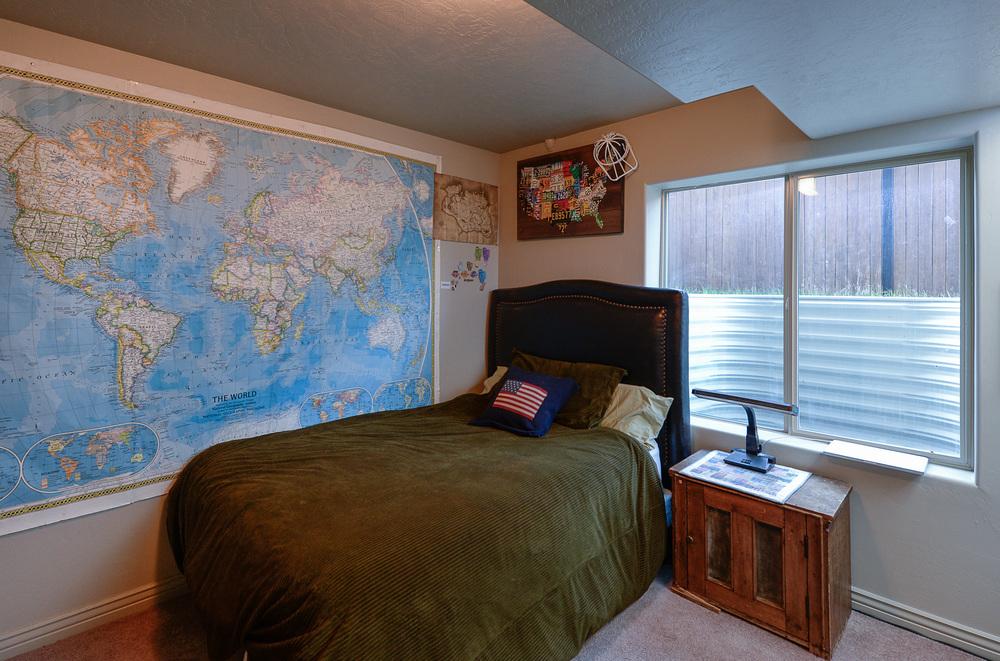 basement bed.JPG