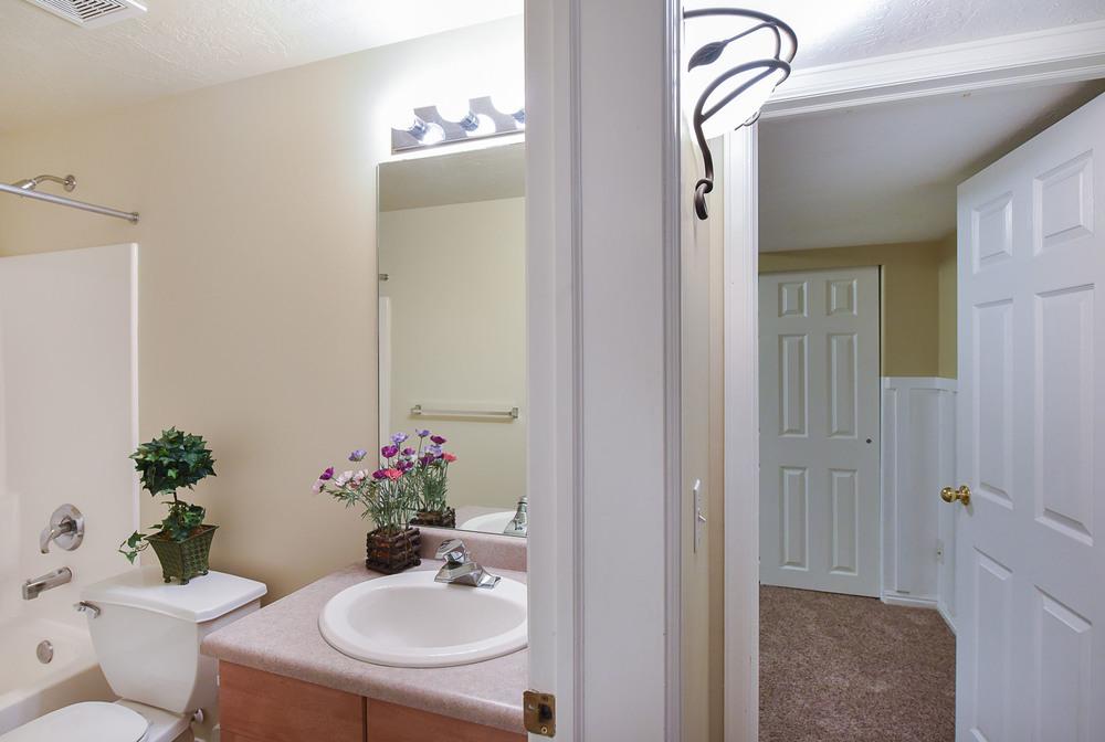bath:bedroom.jpg