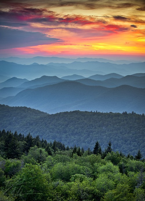 the-season-blue-remains :     Maybe it's because Bon Iver is crooning in the background and I'm tired and lovesick, but this photograph just made me cry.   Look at that beautiful Blue Ridge. Looks like home.     when people ask me where i honeymooned and i say blueridge they look at me like i'm crazy…. but, when you've lived in maui for a year, and georgia is home…. there isn't a more romantic or beautiful place in the world. seriously.