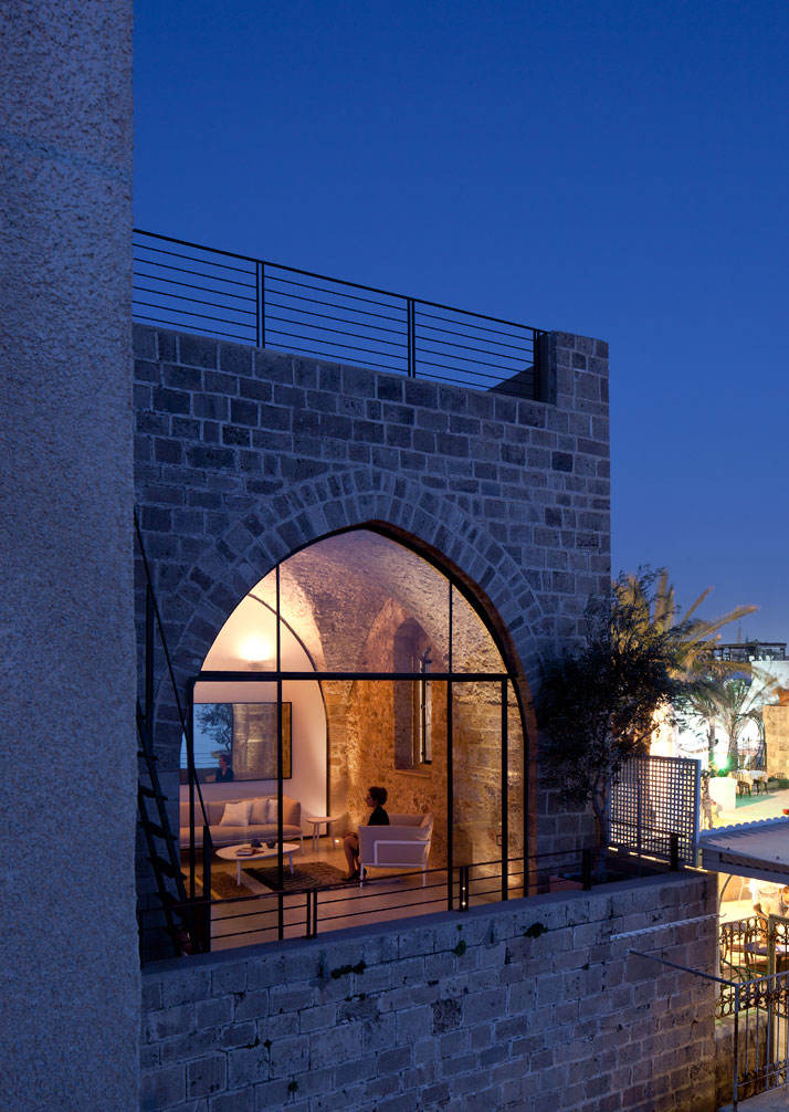 architectureblog :     (via  Contemporary Minimalism Meets Historical Asceticism in Old Jaffa, Tel-Aviv | Yatzer™ )