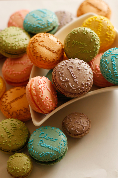 happyhues :     Yum yum. Love macarons! (via  coupe-feti : マカロンヌ )